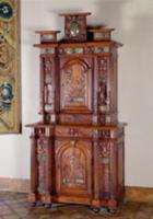 Cabinet with two sections, and a double door repre