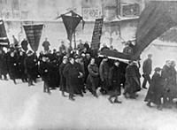 NOV2962226 Red Guards Carry Coffin, 1917 (b/w phot