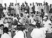 1144020 Mahatma Gandhi and Nehru (b/w photo); (add