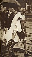 STC373139 Gandhi visiting London for \'Round Table