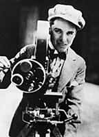 937182 Charlie Chaplin behind the Camera, (b/w pho