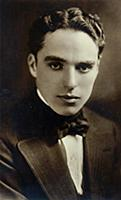 DGC288196 Portrait of Charlie Chaplin, c. 1918 (b/
