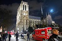 1887959 Notre Dame de Paris; (add.info.: 3957N- No