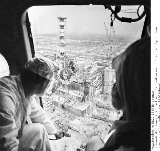 Dosimetrists drawing a radioactive contamination map of the Chernobyl nuclear power plant from helicopters, 1986 (photo)