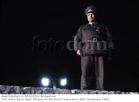 Fall of the Berlin Wall: Military on the Berlin Separation Wall. November 1989.