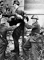 Berlin Wall; (add.info.: The body of the 18 year o