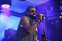 Выступление Билал в «Under The Bridge»