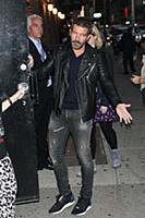 PANEW YORK, NY - NOVEMBER 3: Antonio Banderas visi