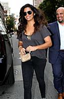 Камила Алвес в Нью-Йорке