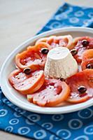 Ricotta e pomodoro (ricotta with tomatoes, Italy)