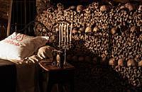 Уникальная возможность провести ночь в парижских катакомбах