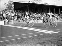 Britain's Reg Harris winning the 1000 metres profe