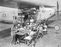 Air liner as seaside cafe .