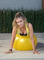Фотографии упражнений для разминки с Кармен Электр
