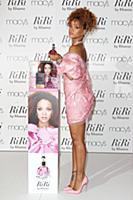 Рианна представила свой новый аромат RiRi