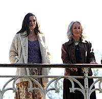 Кира Найтли и Хелен Миррен на съемках фильма «Побочная красота»