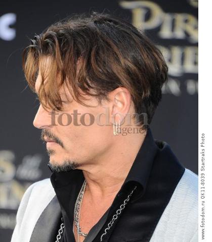 -Hollywood, CA - 05/18/2017 Premiere of Pirates of the Caribbean: Dead Men Tell no Tales-PICTURED: Johnny Depp-PHOTO by: Sara De Boer/startraksphoto.com-SDL_7099Startraks PhotoNew York, NY For licensing please call 212-414-9464 or email sales@startraksphoto.com