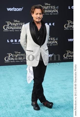 -Hollywood, CA - 05/18/2017 Premiere of Pirates of the Caribbean: Dead Men Tell no Tales-PICTURED: Johnny Depp-PHOTO by: Sara De Boer/startraksphoto.com-SDL_7047Startraks PhotoNew York, NY For licensing please call 212-414-9464 or email sales@startraksphoto.com