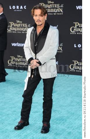 -Hollywood, CA - 05/18/2017 Premiere of Pirates of the Caribbean: Dead Men Tell no Tales-PICTURED: Johnny Depp-PHOTO by: Sara De Boer/startraksphoto.com-SDL_7087Startraks PhotoNew York, NY For licensing please call 212-414-9464 or email sales@startraksphoto.com