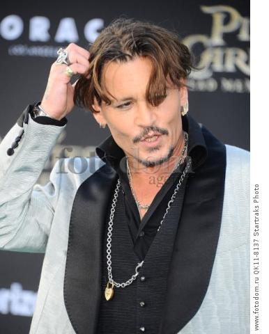 -Hollywood, CA - 05/18/2017 Premiere of Pirates of the Caribbean: Dead Men Tell no Tales-PICTURED: Johnny Depp-PHOTO by: Sara De Boer/startraksphoto.com-SDL_7066Startraks PhotoNew York, NY For licensing please call 212-414-9464 or email sales@startraksphoto.com