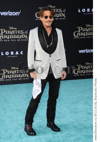 -Hollywood, CA - 05/18/2017 Premiere of Pirates of the Caribbean: Dead Men Tell no Tales-PICTURED: Johnny Depp-PHOTO by: Sara De Boer/startraksphoto.com-SDL_7014Startraks PhotoNew York, NY For licensing please call 212-414-9464 or email sales@startraksphoto.com