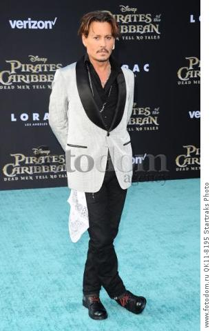 -Hollywood, CA - 05/18/2017 Premiere of Pirates of the Caribbean: Dead Men Tell no Tales-PICTURED: Johnny Depp-PHOTO by: Sara De Boer/startraksphoto.com-SDL_7045Startraks PhotoNew York, NY For licensing please call 212-414-9464 or email sales@startraksphoto.com