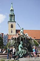 Germany, Berlin, Mitte, Neptunbrunnen fountain nex