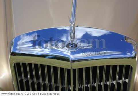 Transport, Cars, Old, Classic car show, Radiator grill of a Bentley.