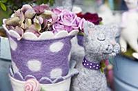 Flowerpot and cat made of felt