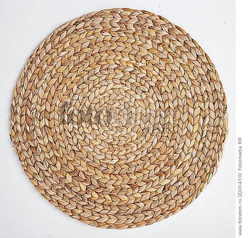 Плетеная подставка под горячее