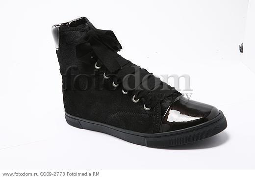 Черные кеды с лаковым носком    Изображение QQ09-2778    FOTODOM acc5ebb3858
