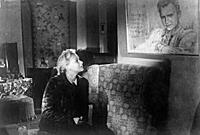 Кадры из фильма «Жди меня» (1943)