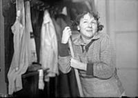 Кадр из фильма «Подкидыш», (1939). На фото: Рина З