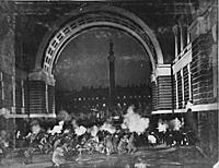 Кадр из фильма «Октябрь» (1927).