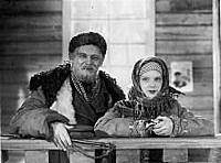 Кадр из фильма «Свинарка и пастух», (1941). На фот