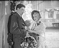 Кадр из фильма «Любимая девушка», (1940). На фото: