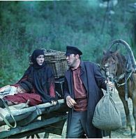 Кадр из фильма «Тени исчезают в полдень», (1971).
