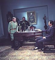 Кадр из фильма «Срочно... секретно... Губчека», (1