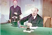 Кадр из фильма «Коммунист», (1957). На фото: Борис