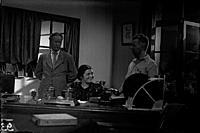 Кадр из фильма «Девушка с характером», (1939). На