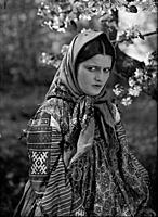 Кадр из фильма «Вражьи тропы», (1935). На фото: Эм