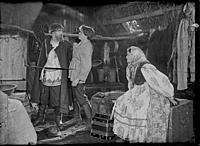 Кадр из фильма «Бабы рязанские», (1927). На фото: