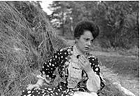 Кадр из фильма «Дачники», (1966). На фото: Элина Б