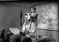 Кадр из фильма «Подкидыш», (1939).