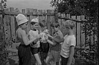Кадр из фильма «Добро пожаловать, или Посторонним