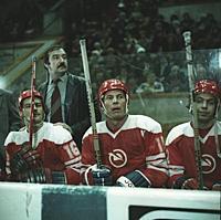 Кадры из фильма «Такая жесткая игра - хоккей», (1983)