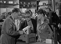 Кадр из фильма «Берегись автомобиля», (1966). На ф