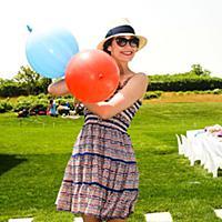 Эмми Россум веселится на частной вечеринке