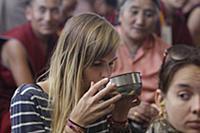 Далай-лама учит тибетских последователей из разных стран
