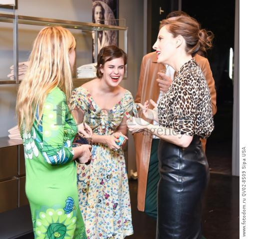 Scout LaRue Willis, Tallulah Belle Willis, Liz Goldwyn - 10/21/2015 - Los Angeles, California - EQUIPMENT & VOGUE WITH LIZ GOLDWYN held at Equipment Boutique, Los Angeles,. (Photo by Owen Kolasinski/BFA) *** Please Use Credit from Credit Field ***